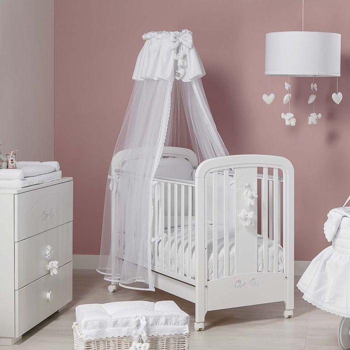 babybett mit himmel praktisch und gleichzeitig. Black Bedroom Furniture Sets. Home Design Ideas