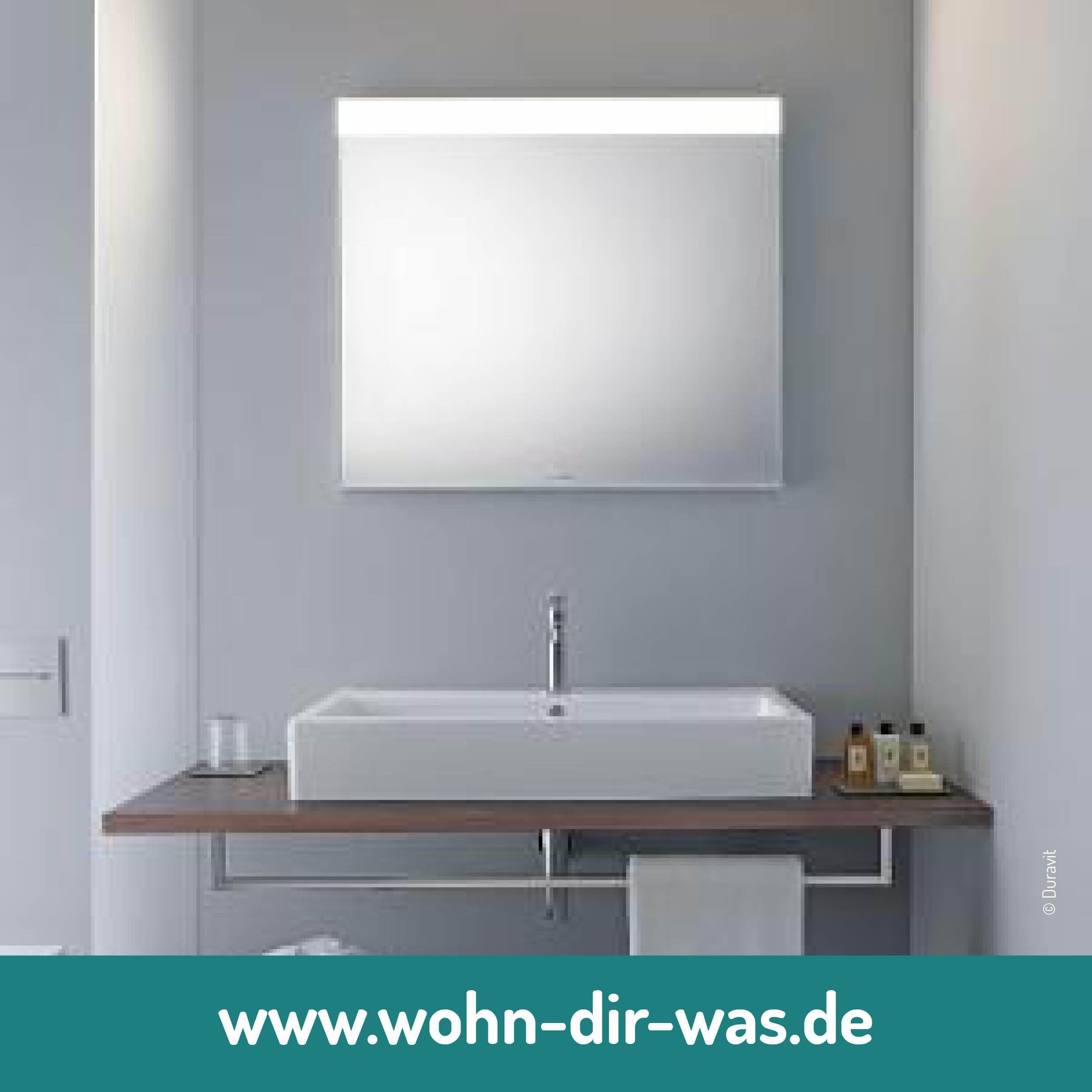 Der Spiegel Macht Dein Fensterloses Bad Zu Einem Wahren Augenschmaus Clevere Tipps Zur Badgestaltung Badezimmerspiegel Spiegel Mit Beleuchtung Stil Badezimmer