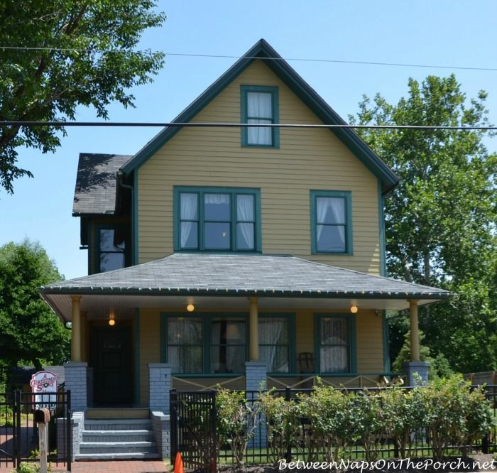 Tour A Christmas Story Movie House The House Neighborhood Christmas Story House Christmas Story Movie House Gifts
