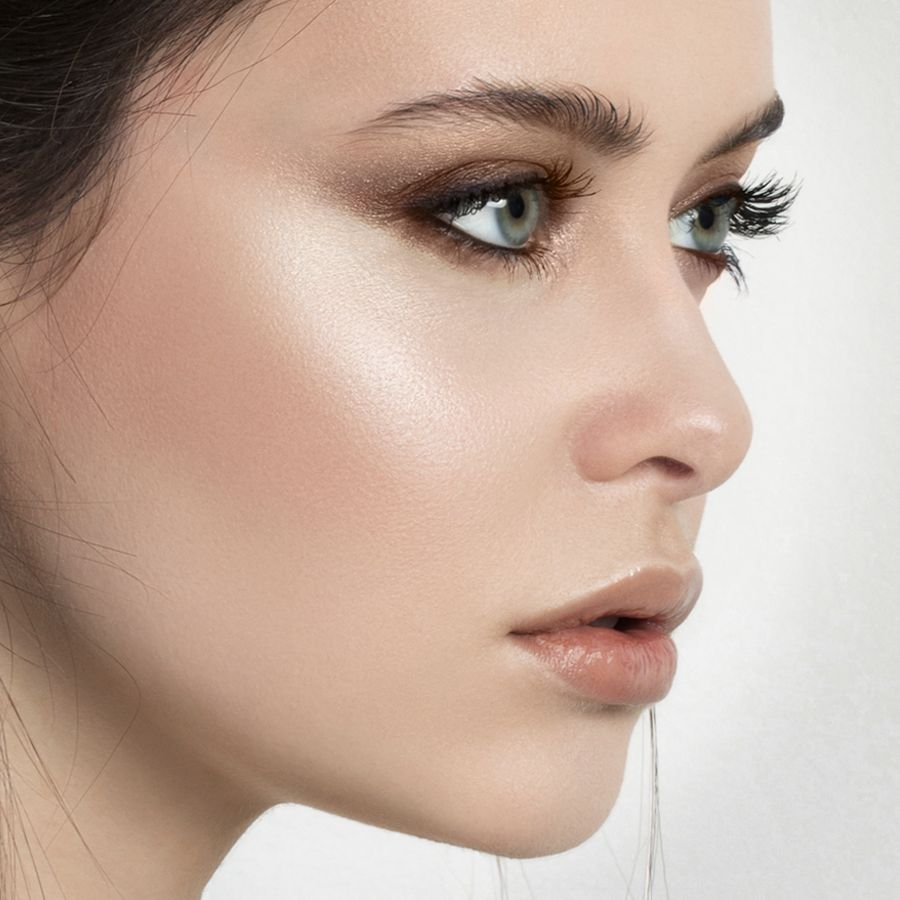 Beauty Lesson: Highlighting and Contouring  Highlighter makeup