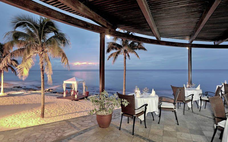 Le Meridien Ile Maurice A Hotel Featured By Kuoni Travel For Mauritius Holidays Mauritius Holiday Sunshine Holidays Luxury Holidays