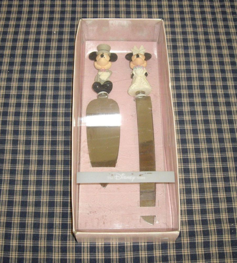 the disney store mickey and minnie mouse wedding cake serving set
