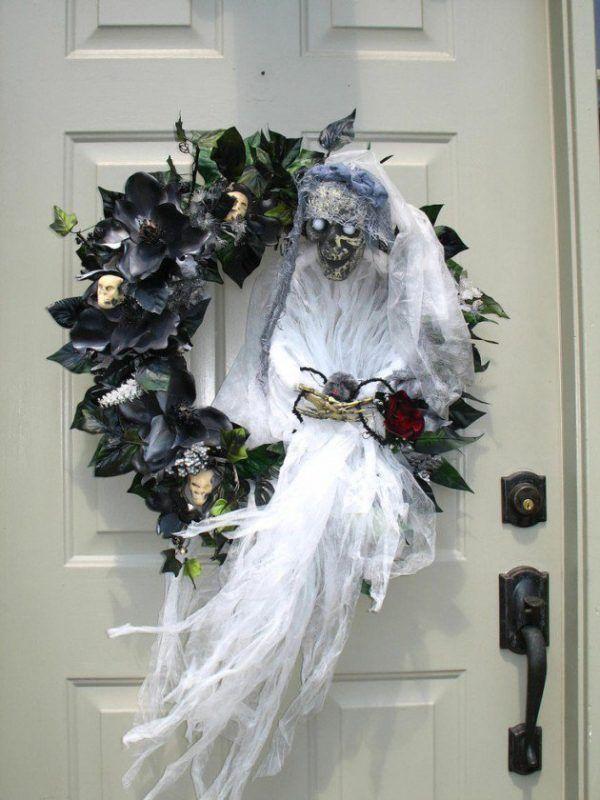 Awesome halloween wreaths Scary halloween wreath, Scary halloween - scary halloween ideas