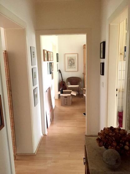 Heller Flur Mit Weichem Licht In Dusseldorf Wohnung In Dusseldorf Dusseldorf Flur Corridor Interior Wohnung Wohnen Deko Ideen