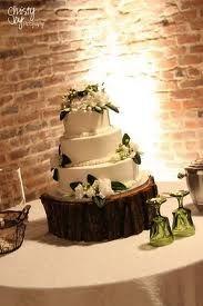 Tree Stump As Wedding Cake Stand