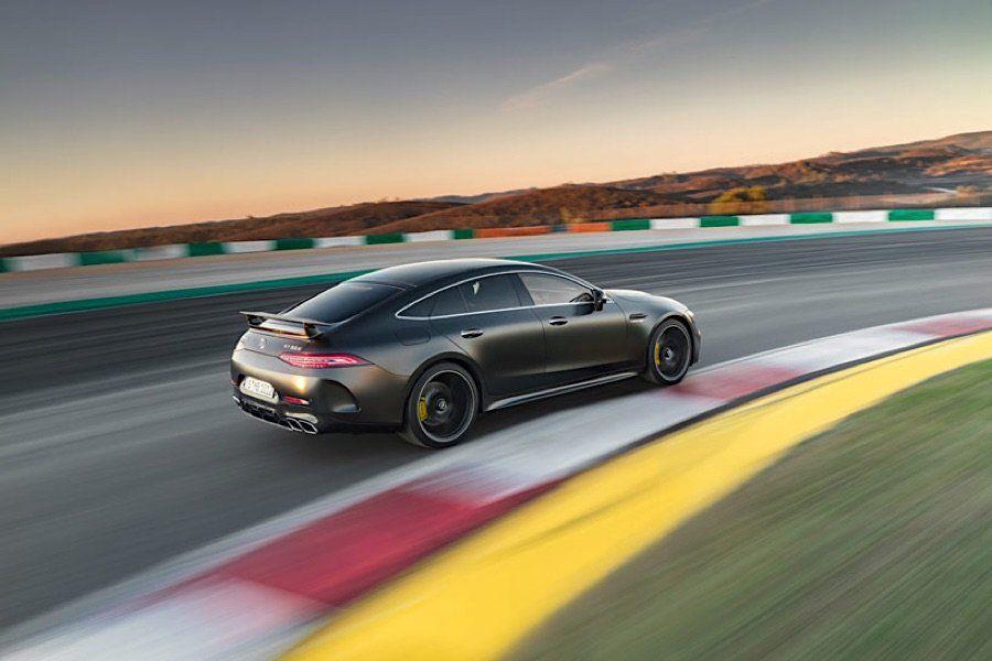 Mercedes Amg Stellt Den Gt 4 Turer Coupe Vor Mercedes Amg