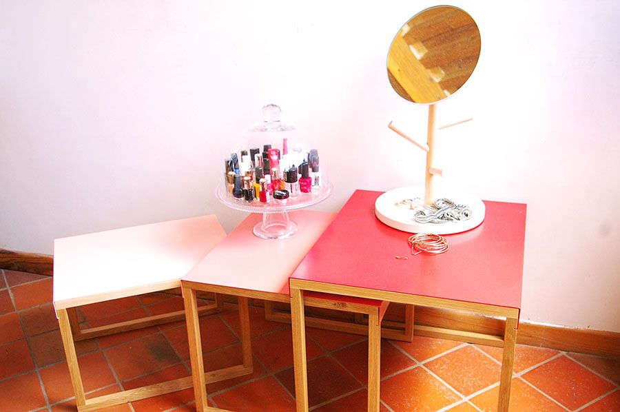 table gigogne habitat kilo rouge | DIY & styling | Pinterest | Tables