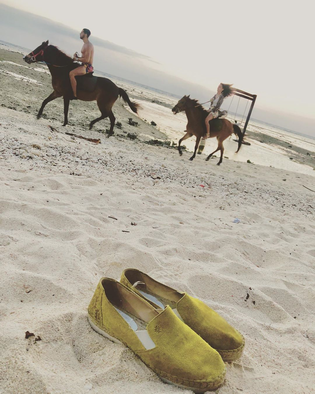 all you need💭 • let the summer never ending.. #gilitrawangan #island #bali #summer #beach #sea #intuitivanyc #love #sunsetlover