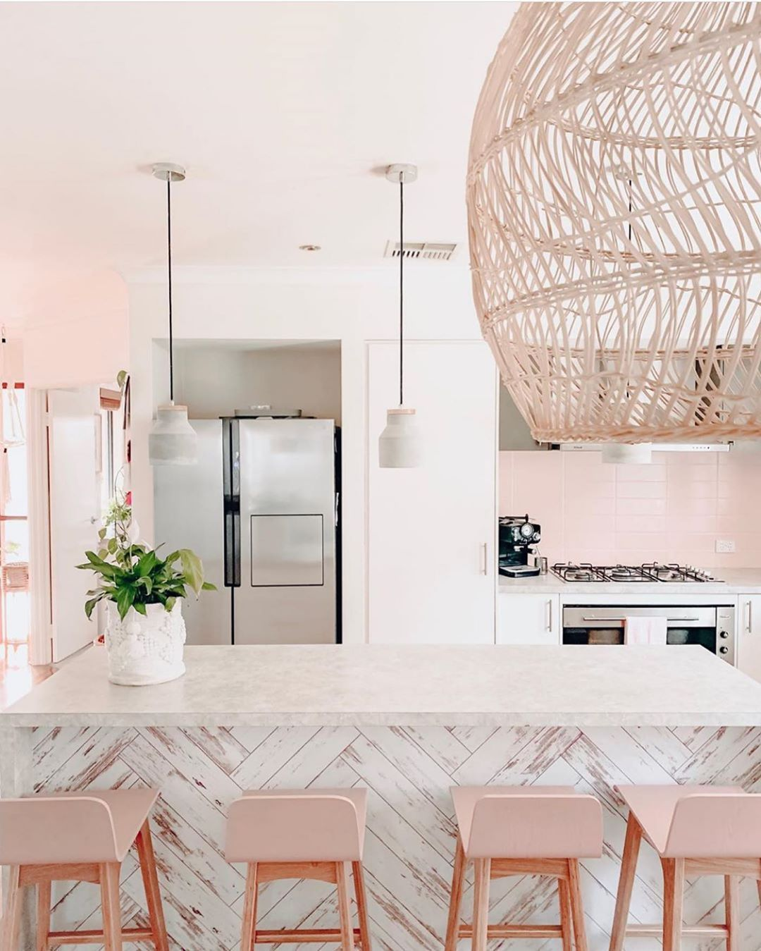 kitchens of instagram on instagram we found another pink kitchen that we love on kitchen decor pink id=84013