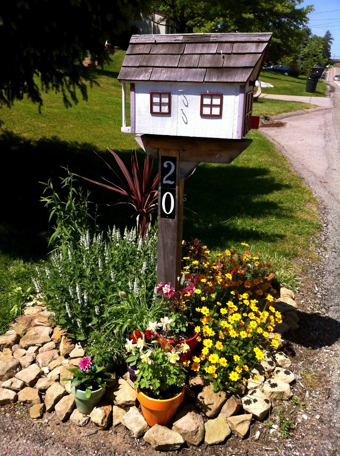 landscaping ideas around mailbox in contemporary vefday me - Mailbox Design Ideas