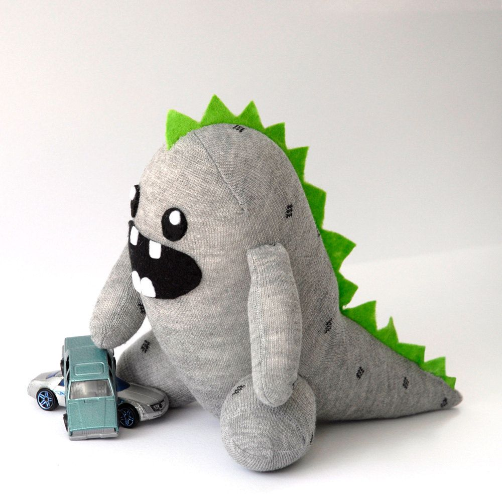 adorbs!! :) I love everything about this little guy. You can make him yourself too!