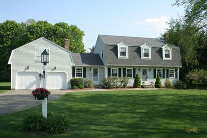 Gambrel Rooflines In Both Dimensions Nice Dutch Colonial Homes Colonial House Plans Dutch Colonial Exterior