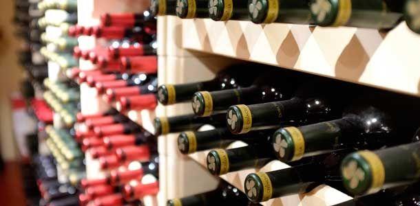 Viinimatkailijan vinkit Malagaan: http://www.rantapallo.fi/ruoka-juomat-viinit/viinimatkailijan-tarpit-malagaan-katso-kolme-vinkkia/
