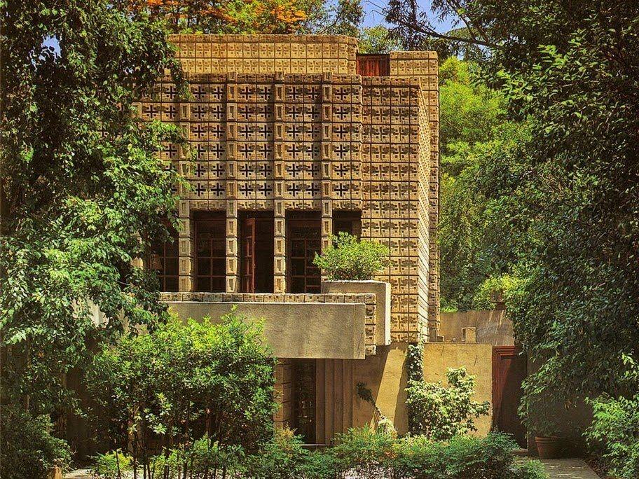 Millard House, Also Known As La Miniatura, Is A Textile