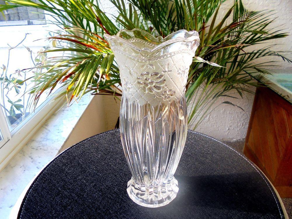 Best Vintage Full Crystal Traditional Table Vase 9 Tall Vase 400 x 300