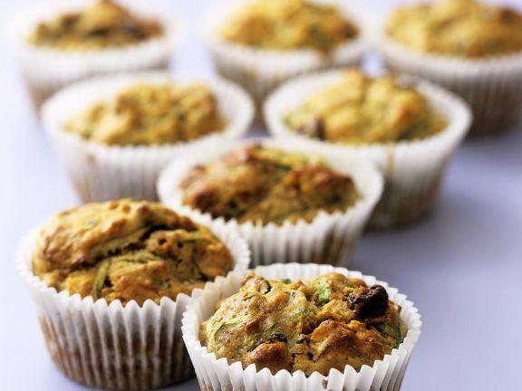 Zucchinimuffins ist ein Rezept mit frischen Zutaten aus der Kategorie Muffins. Probieren Sie dieses und weitere Rezepte von EAT SMARTER!