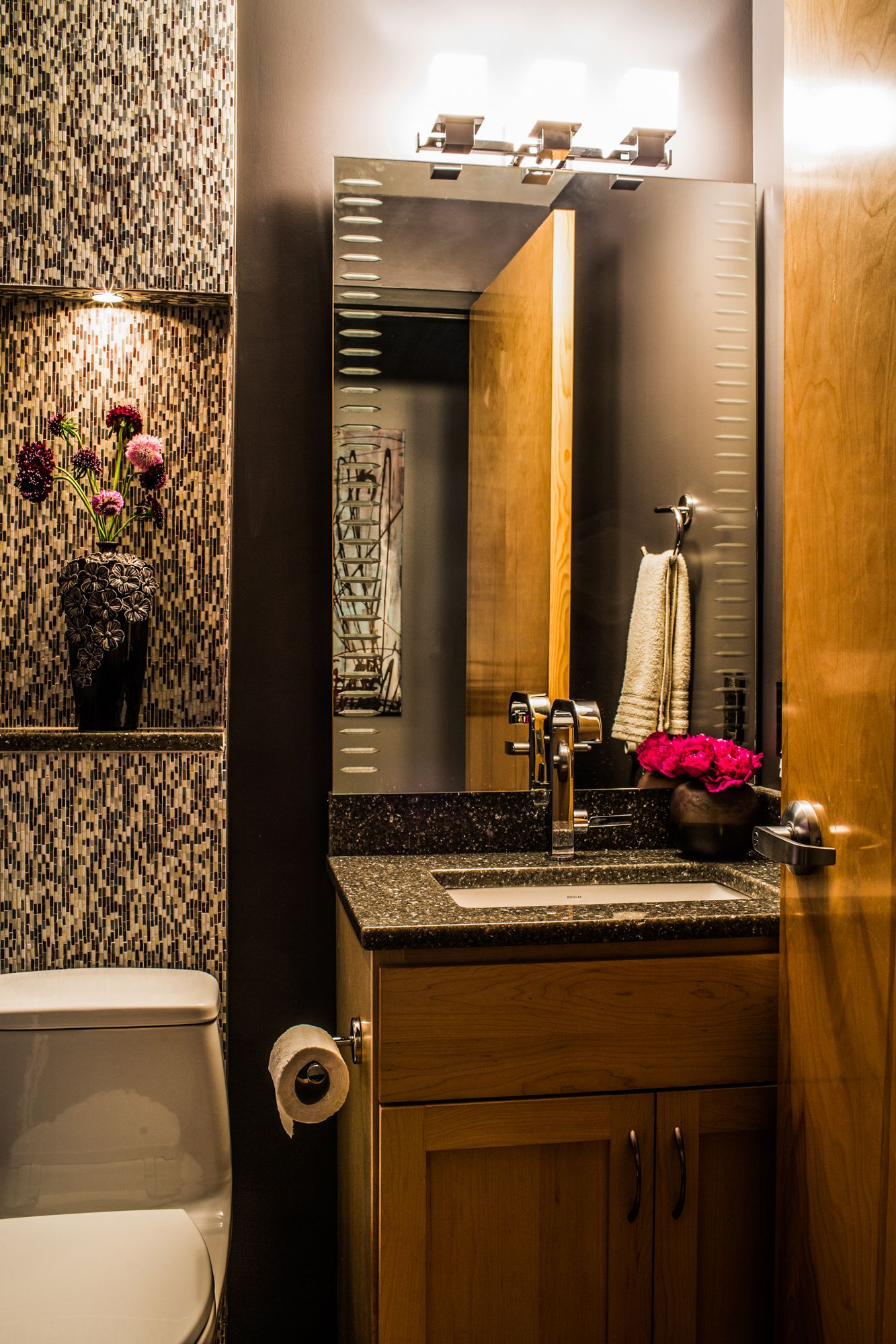 Contemporary Style Powder Room Boutique Interior Boutique