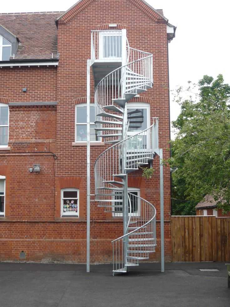how to build in an external stairway