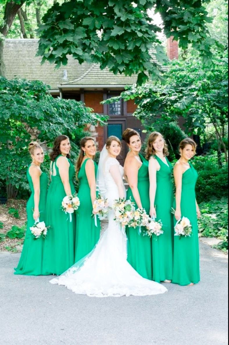 Pin by Elizabeth Arzola on Green and white wedding ideas | Pinterest ...