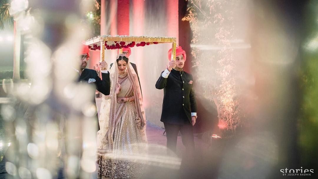 Asin Thottumkal On Instagram Arwedding Asin Rahul Redroses Mirrors Fairytale Love Indianwedding Stylish Wedding Beautiful Wedding Photos Wedding