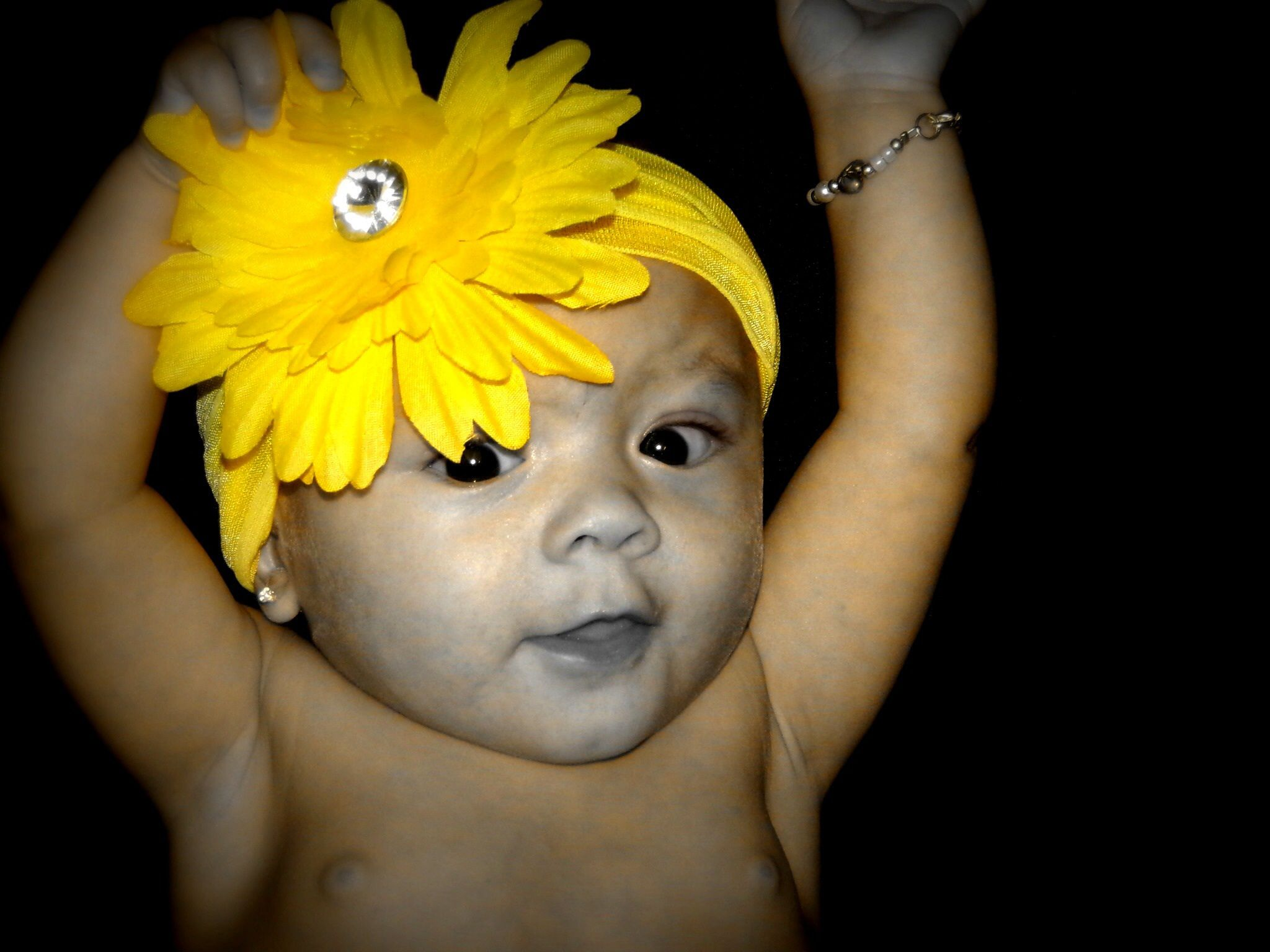 #yellow #flower #photography #photoideas #girl #yellow #flower #baby #precious