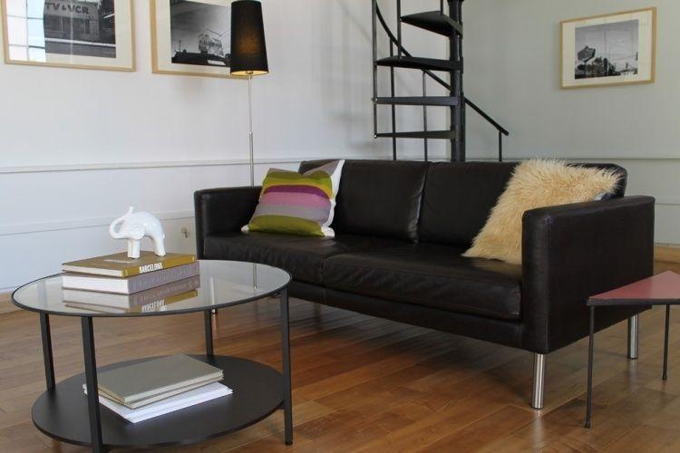 schwarzes Sofa Sater mit Metall Füßen