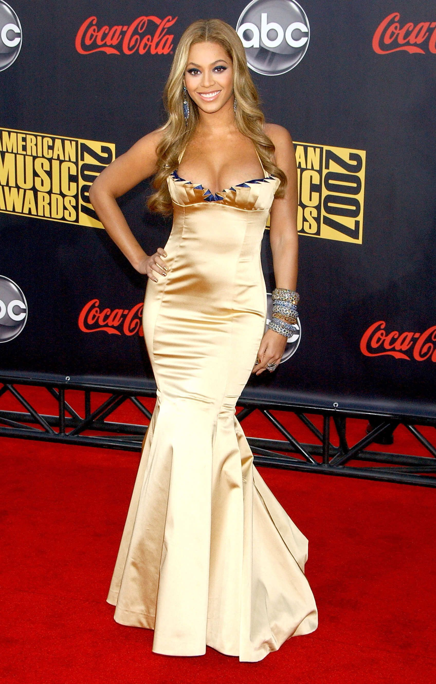 Beyonce Is Getting Into The Athleisure Game Mermaid Dresses Dresses Strapless Dress Formal [ 2660 x 1696 Pixel ]