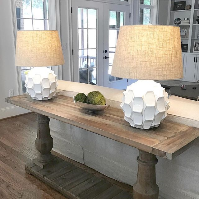Farmhouse Sofa Console Table With White Faceted Lamps 3a
