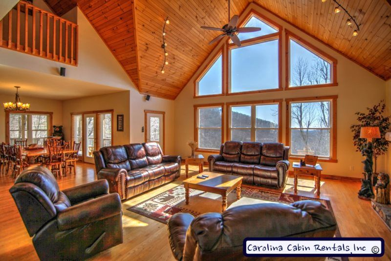 Merveilleux ... Ridge Luxurious Living Room With Views Off The Blue Ridge Parkway | NC  U0026 TN Travel Destinations | Pinterest | Blue Ridge Parkway, Living Rooms And  Cabin