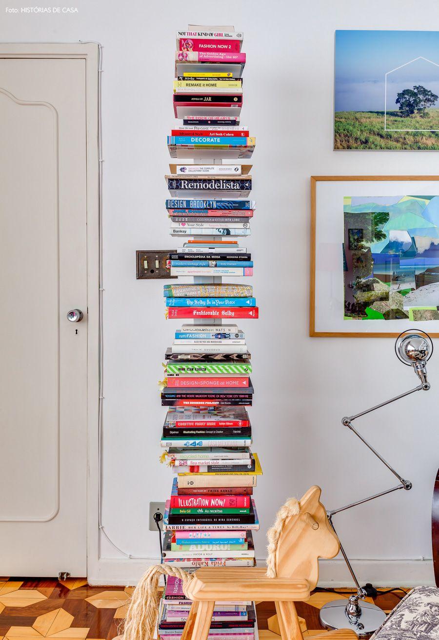 04-decoracao-sala-livros-estante-quadros
