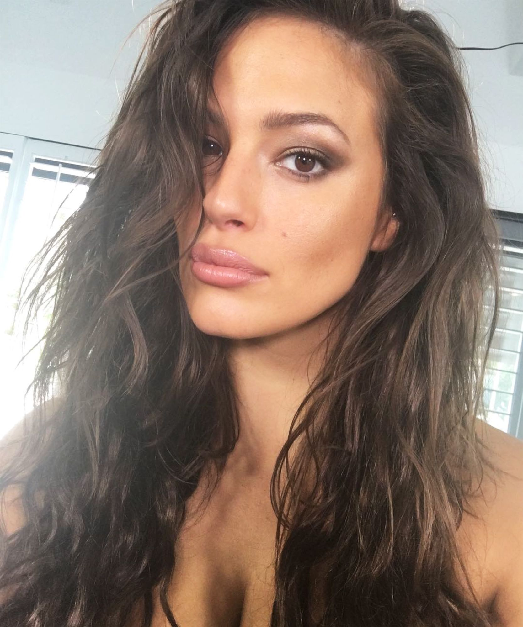 5e8b1cf82a359 Supermodel Ashley Graham shares five tips to nail your next selfie.
