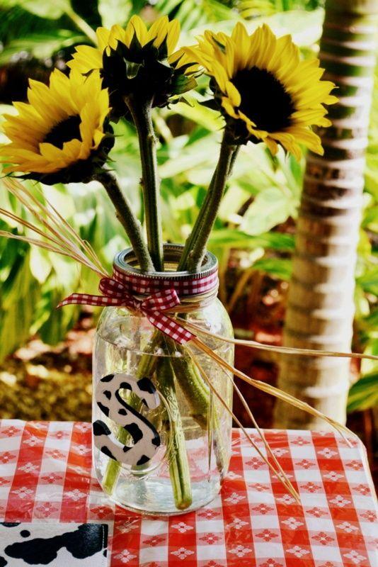 Flower arrangment in mason jars mason jar flower for How to arrange flowers in mason jar