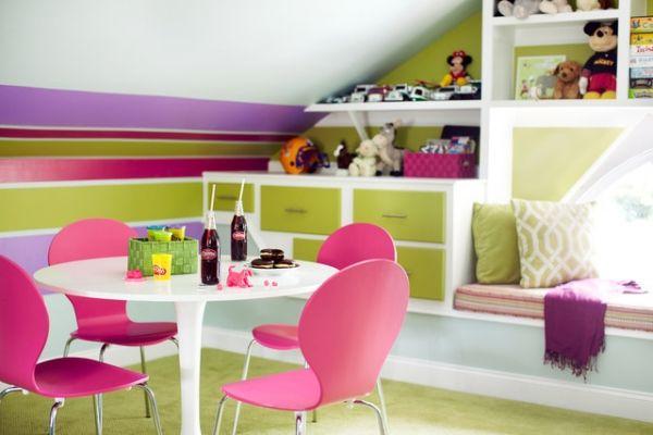 Kinderzimmer Dachschräge Stauraum Regale Wanddeko Streifen Awesome Design