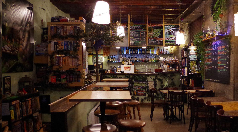 K Fee Des Jeux Cafe Jeux Restaurant A Grenoble Restaurant Maison Cafe