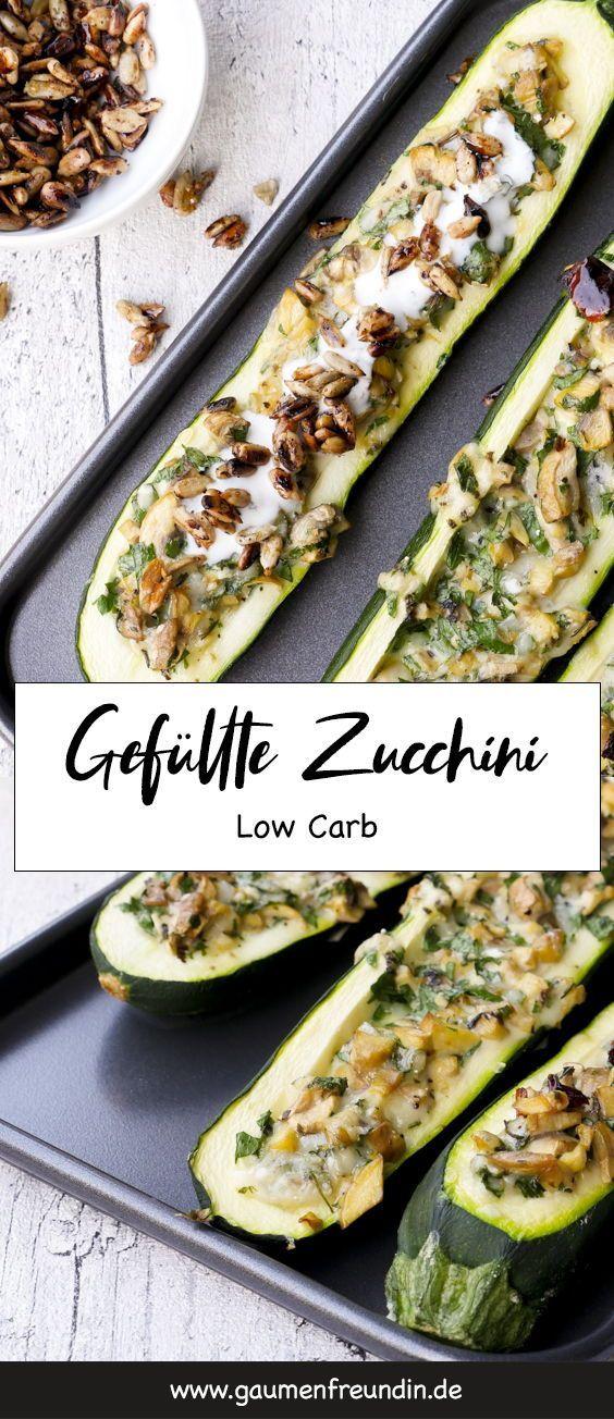 Gefüllte Zucchini mit Champignons und Knoblauchjoghurt - Low Carb