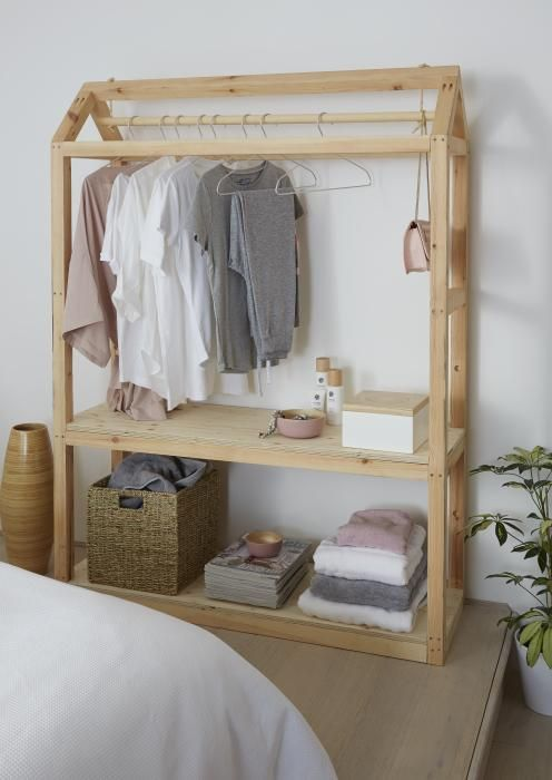 Create Your Own Storage And Make A Feature In Your Room Choose Items That Coordinate To Give A Fr Armario De Madera Muebles Para Colgar Ropa Bricolaje Armario