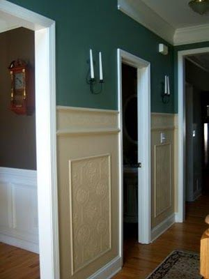 Feature Friday- Faux Carved Wainscoting using Paintable Textured Wallpaper | Suzy's Artsy Craftsy Sitcom