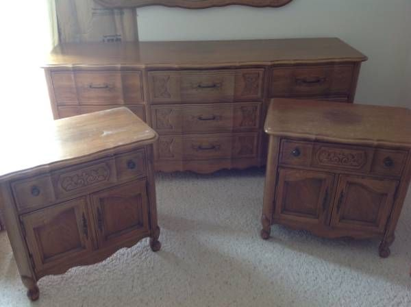 thomasville bedroom set. 1960 s Thomasville Bedroom Set includes Large Dresser  Two Bedside Tables Mirror and King Headboard