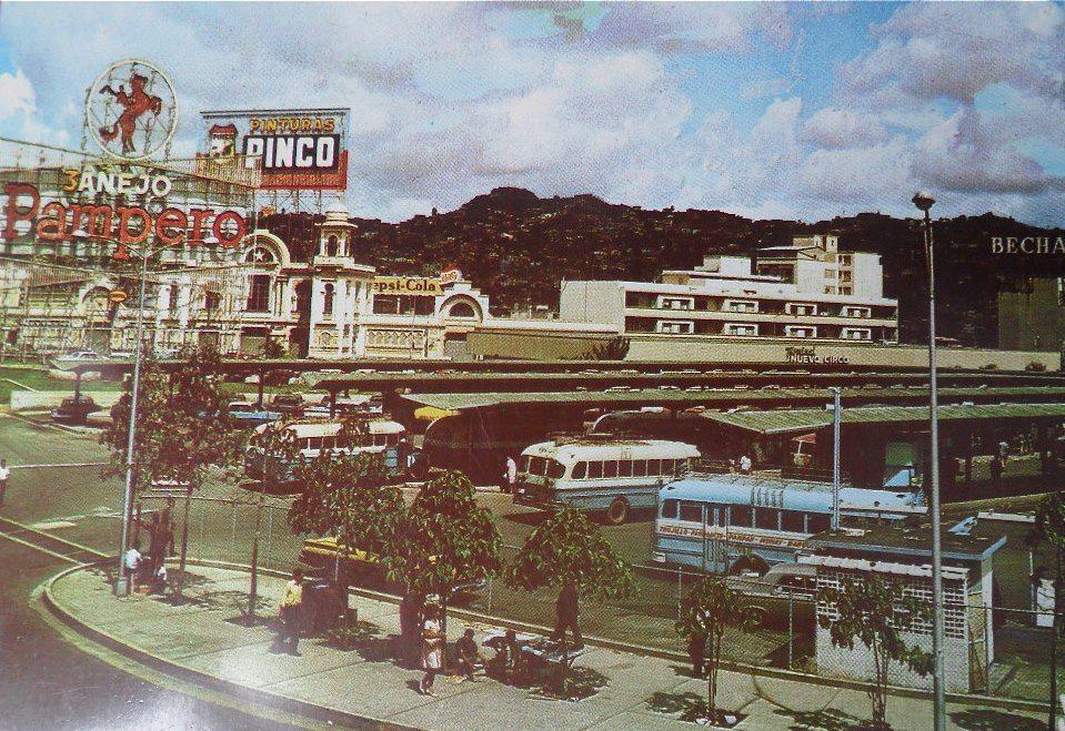 Central de Autobuses frente al Nuevo Circo en los 60s