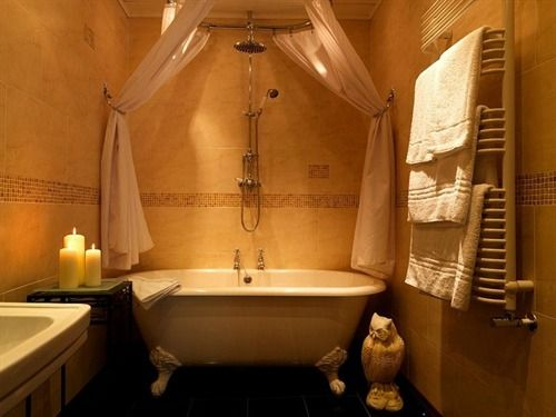 Beautiful Bathrooms With Shower Curtains roll top bath with shower curtain and rail idea | blissful