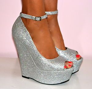 db9efc86e76 LADIES SILVER SUPER GLITTERY PEEP TOE WEDGE HEELS SHOE SANDAL EVENING PARTY  3-7