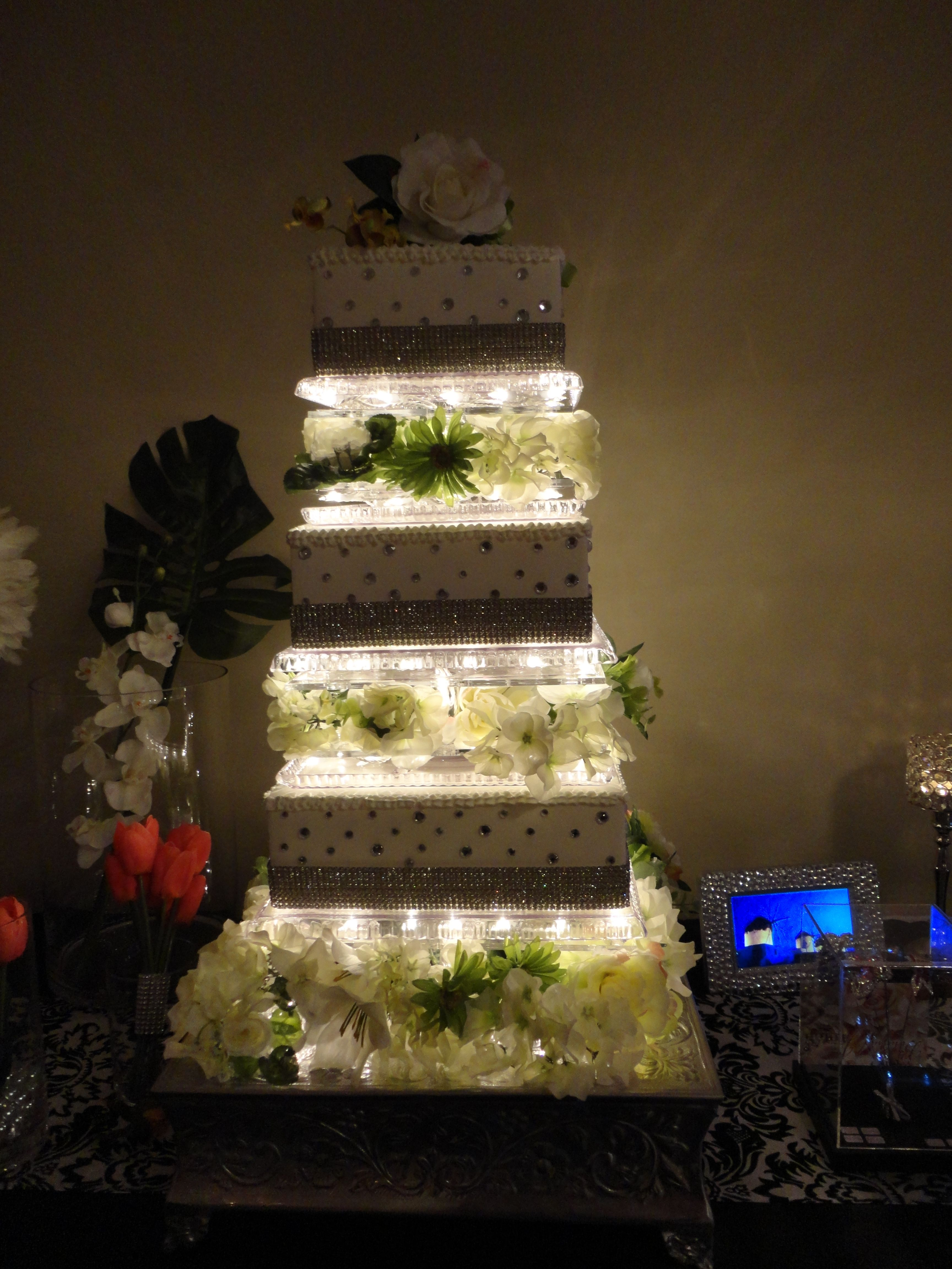Wedding cakes in kamloops