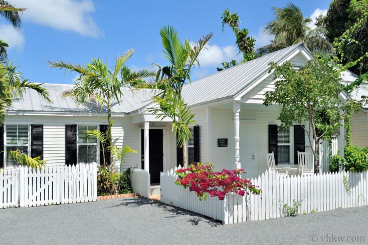 Key West Spa Villa 4 Bedroom Nightly Vacation Rental Florida Cottage Key West Villas Key West Rentals