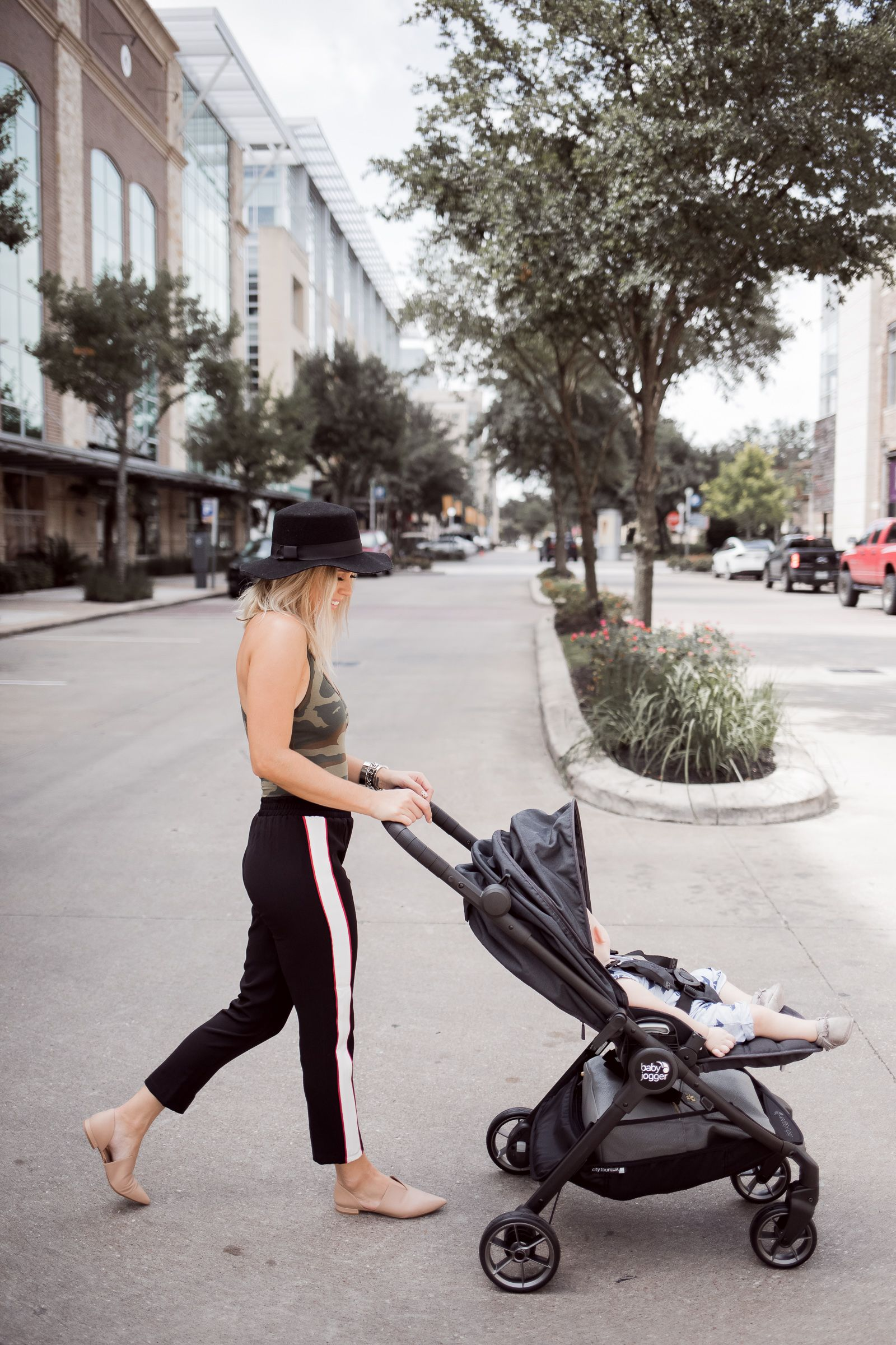 My Review On The Baby Jogger City Tour Lux Stroller Uptown With