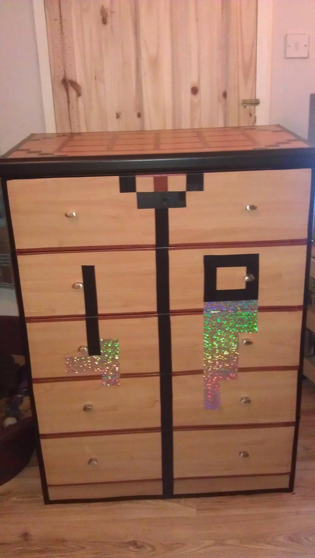 Crafting table dresser Minecraft bedroom Pinterest