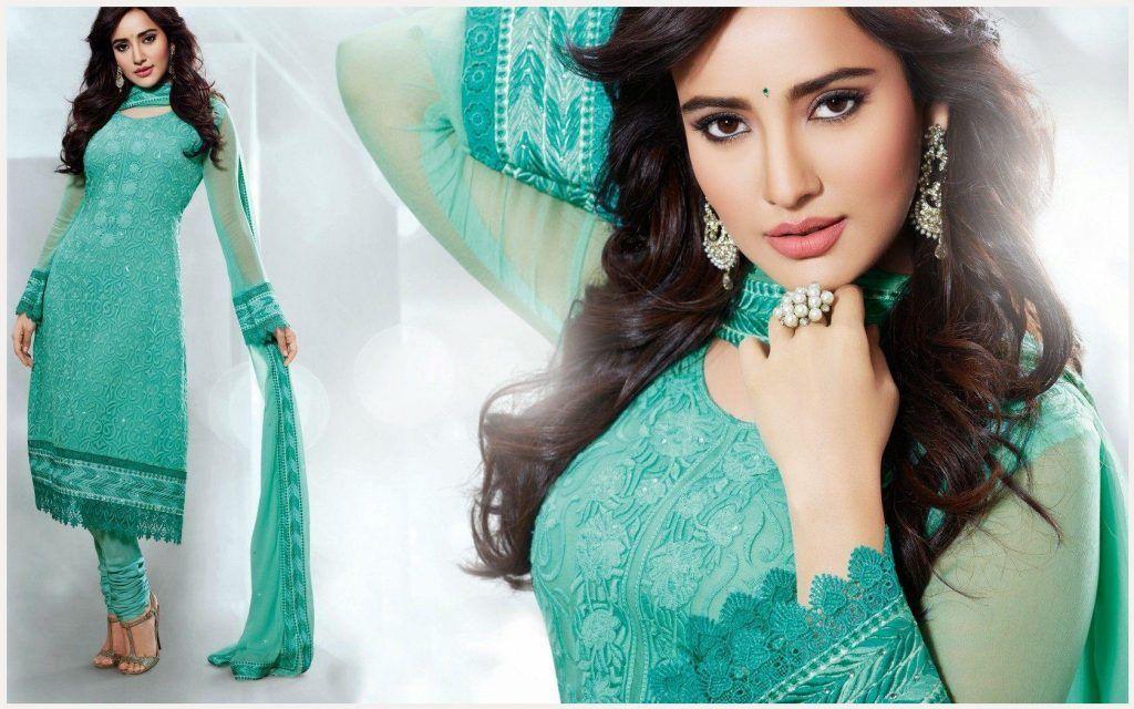 Neha Sharma Wallpaper Neha Sharma Wallpapers Santabanta Cute Beauty Beauty Full Girl Fashion