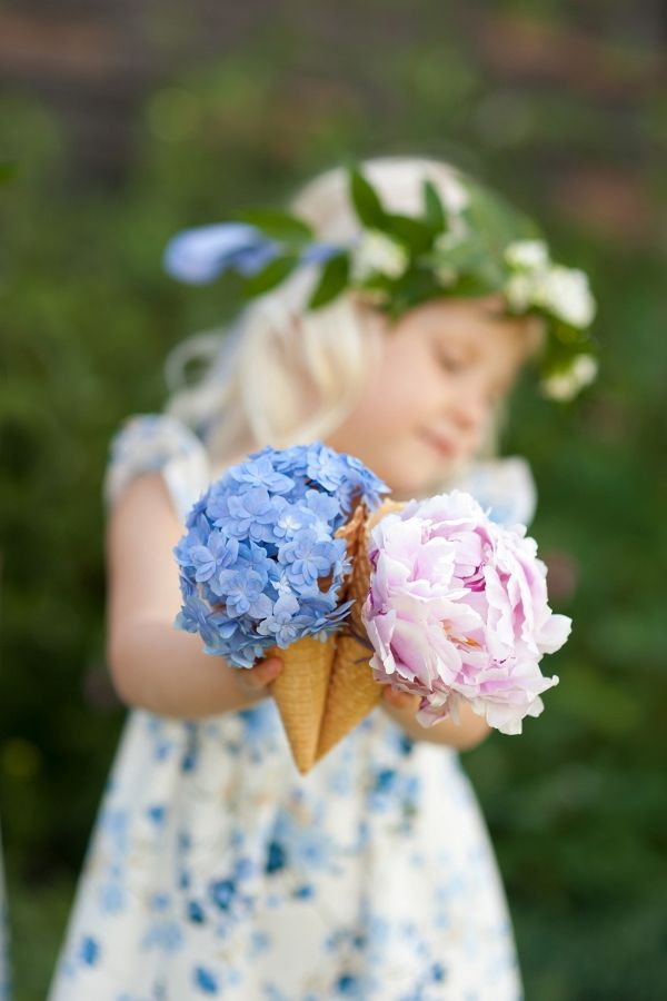 aba5341413e Serve up endless scoops of floral sweetness with these DIY ice cream cone  bouquets