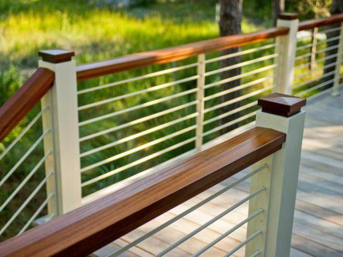 Une Jolie Balustrade Exterieure Devant La Maison En Bois Balustrade Exterieure Balustrade Terrasse Terrasse Faite Maison
