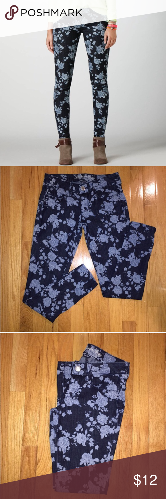 American Eagle Floral Jeans Size 2 blue floral skinny jeans from American Eagle. Ankle length. They do have a little bit of stretch to them. Great condition, no stains or holes! American Eagle Outfitters Jeans Ankle & Cropped