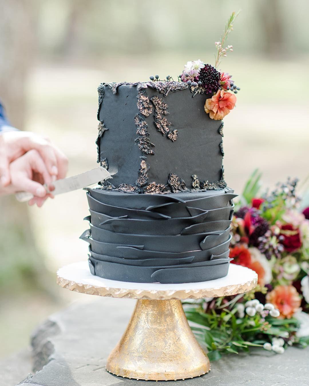 100 Pretty Wedding Cakes To Inspire You - wedding cake ideas #weddingcake #cake #rusticweddingcake #weddingcakes #nakedweddingcake